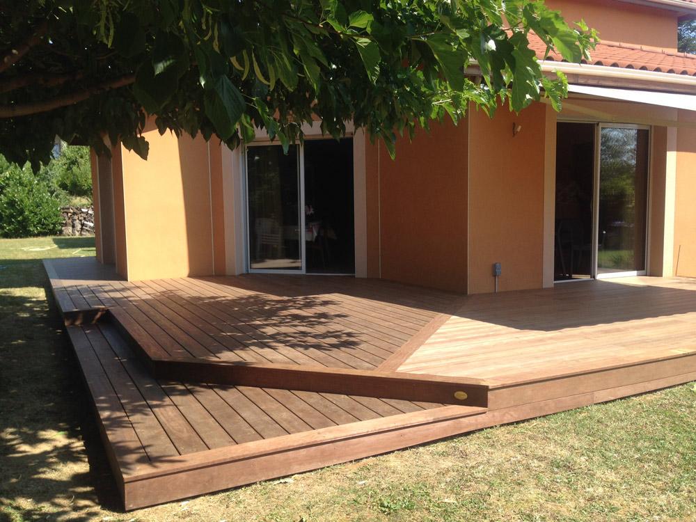 terrasse en cailloux fabulous de terrasse en bitume lutanchit pvc sous cailloux with terrasse. Black Bedroom Furniture Sets. Home Design Ideas