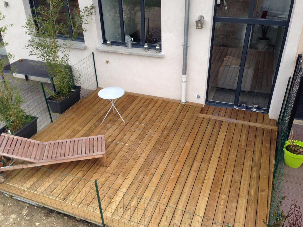 terrasse bois clair terrasse en bois en mlze de sibrie terrasse en bois composite leroy merlin. Black Bedroom Furniture Sets. Home Design Ideas