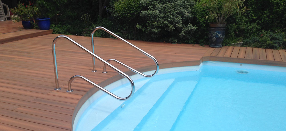 Empreinte bois for Amenagement plage piscine